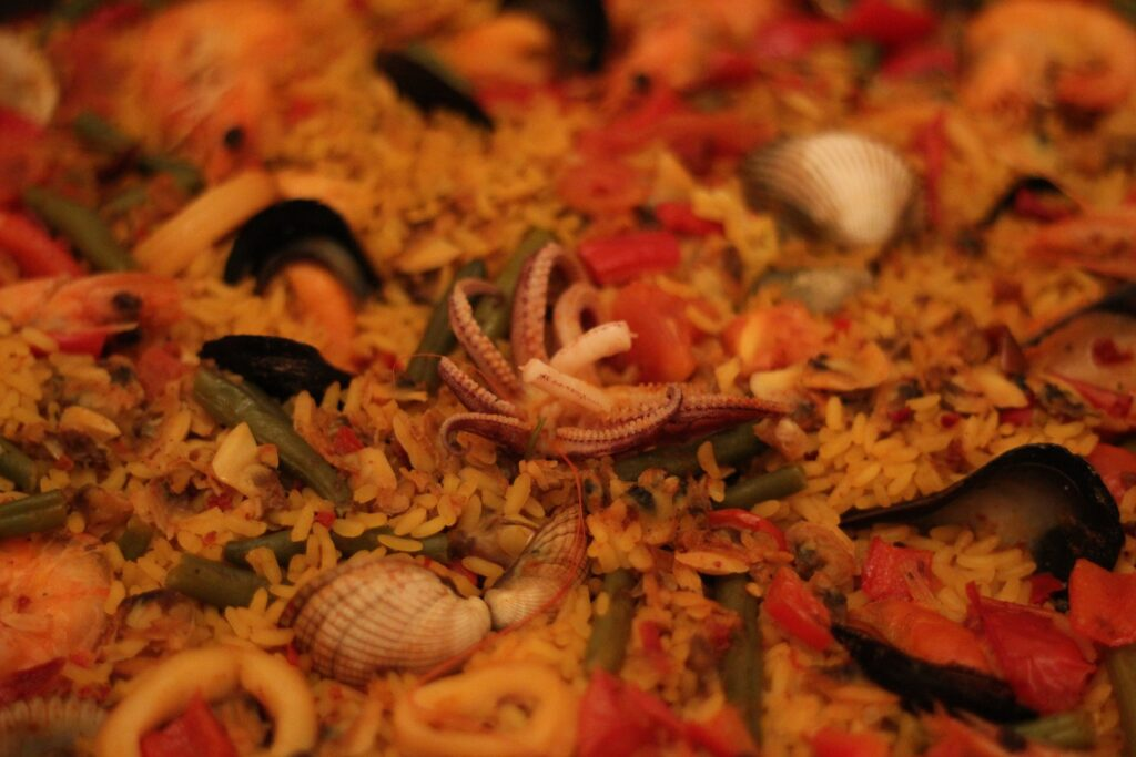 seafood paella non traditional Christmas dinner ideas
